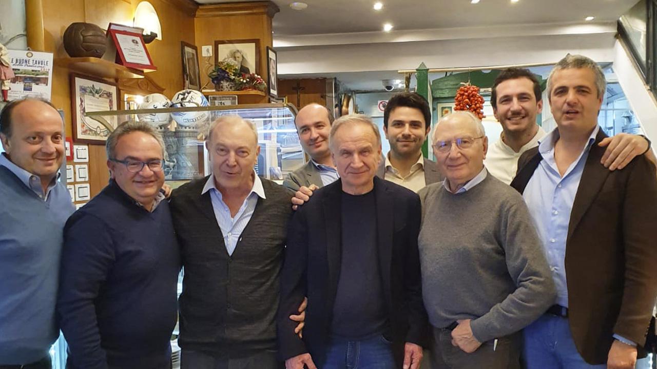 La Gevi Napoli Basket a cena da Mimì alla ferrovia con il Presidente della Federazione Italiana Pallacanestro Gianni Petrucci.